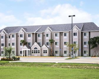Microtel Inn & Suites by Wyndham Breaux Bridge - Breaux Bridge - Gebouw