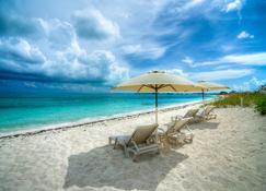 Grace Bay Beach Ocean Villas - Providenciales - Beach