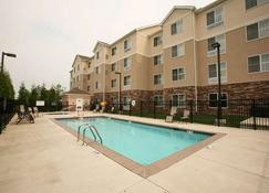 Homewood Suites by Hilton Louisville-East - Λούισβιλ - Πισίνα