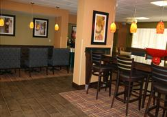 Hampton Inn Youngstown-North - Youngstown - Aula