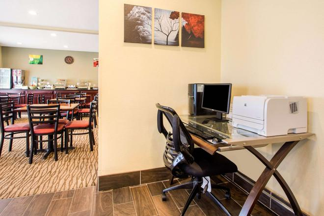 Quality Inn & Suites - Wisconsin Dells - Business centre