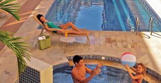 Malibu Palace Hotel - Cabo Frio - Building