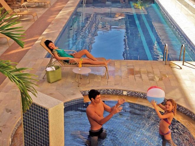 Malibu Palace Hotel - Cabo Frio