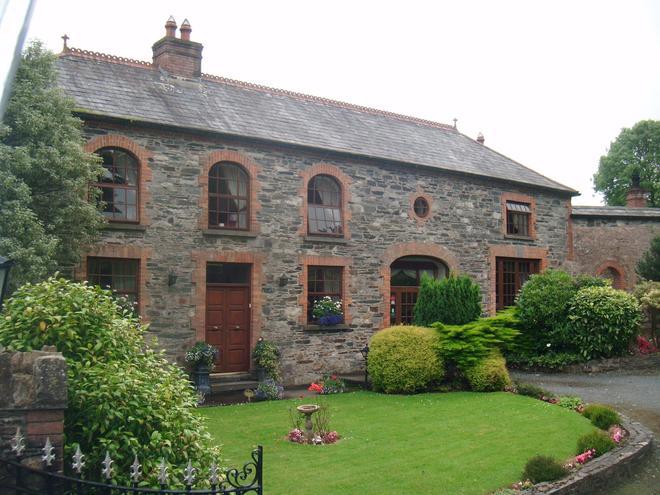 The Coach House - Waterford - Toà nhà