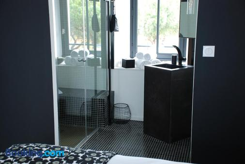 Pont Levis Hôtel By Franck Putelat - Carcassonne - Bathroom