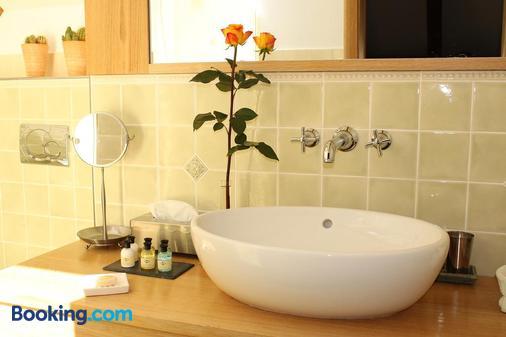 Romantik Hotel Chalet am Kiental - Herrsching am Ammersee - Bathroom