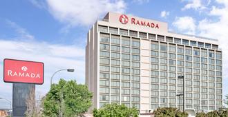 Ramada by Wyndham Reno Hotel & Casino - Reno - Κτίριο
