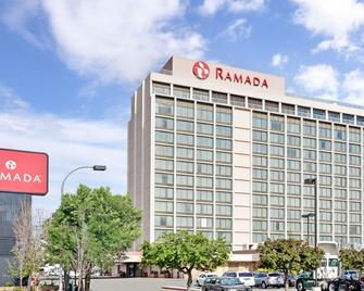 Ramada by Wyndham Reno Hotel & Casino - Reno - Building