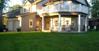 Tigh-na-mara Bed And Breakfast - St. Catharines - Building