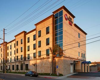 Best Western PLUS Gardena Inn & Suites - Gardena - Building