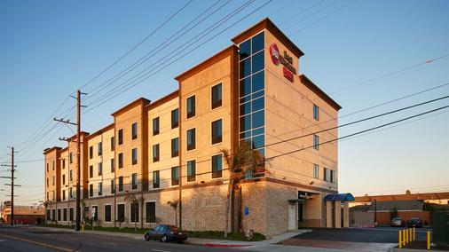Best Western PLUS Gardena Inn & Suites - Gardena - Gebäude