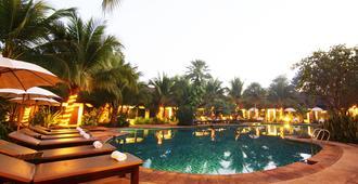 Laluna Hotel & Resort - Chiang Rai - Bể bơi