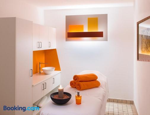 Hotel Alpenroyal - Castelrotto - Bathroom