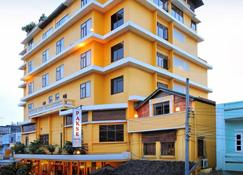 Pakse Hotel & Restaurant - Pakse - Edificio