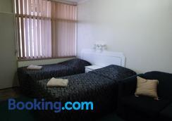 大中央汽車旅館 - 甘比爾山 - 干比爾山 - 臥室