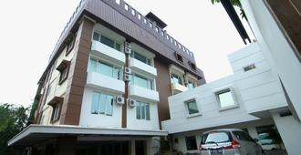 Grand Kasira - Jakarta - Byggnad