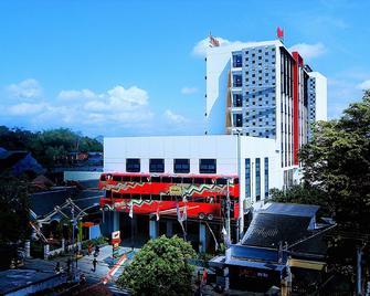 Meotel Jember - Jember - Building