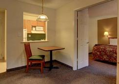 Intown Suites Kennesaw/Town Center - Marietta - Room amenity