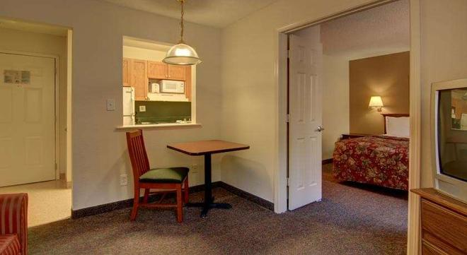 Intown Suites Extended Stay Atlanta/ Kennesaw Town Center - Marietta - Room amenity