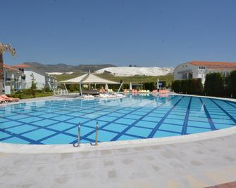 Tripolis Hotel - Hieropolis - Zwembad