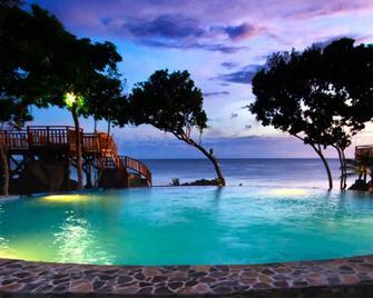 Parklane Bohol Resort and Spa - Anda - Pool