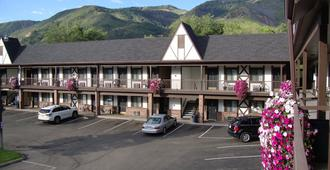 Silver Spruce Inn - Glenwood Springs - Building