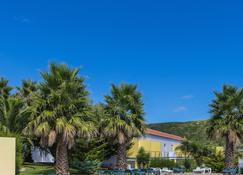 Hotel Teresinha - Praia Da Vitoria - Outdoors view