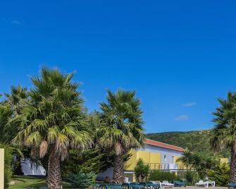 Hotel Teresinha - Praia da Vitoria - Buiten zicht