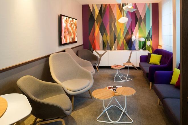 Hotel Paris Louis Blanc - Paris - Lounge