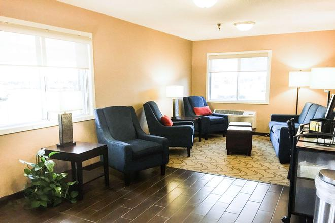 Comfort Inn - Hastings - Living room