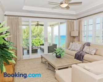 Sea Breeze, Grand Cayman - West Bay - Living room