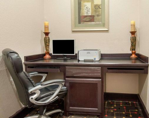 Quality Inn & Suites - Groesbeck - Business centre