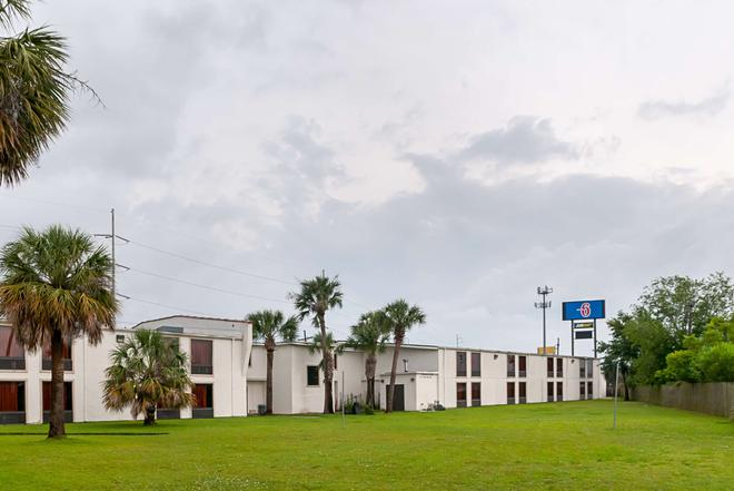 Motel 6 New Orleans - Near Downtown - New Orleans - Building
