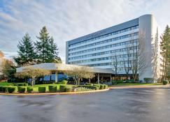 DoubleTree Suites by Hilton Seattle Airport - Southcenter - Tukwila - Building