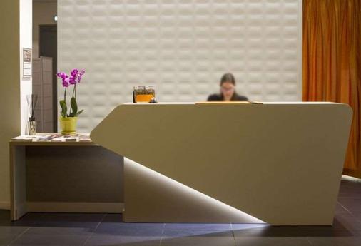 Privilège Appart Hotel Saint-Exupéry - Toulouse - Front desk