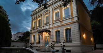Villa 216 - ליון - בניין