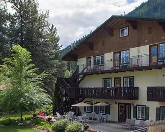 Blue Elk Inn - Leavenworth - Building