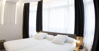 لوكس سانتياجو هوتل - سانتياغو دي كومبوستيلا - غرفة نوم
