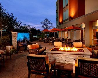 Springhill Suites Pittsburgh Latrobe - Latrobe - Patio