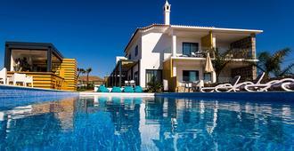 Mareta Beach House - Sagres - Pool