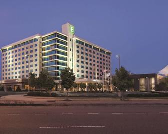 Embassy Suites by Hilton Hampton Convention Center - Хэмптон - Здание