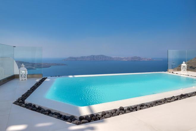 Day Dream Luxury Suites - Thera - Pool