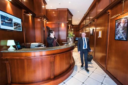 Best Western Hotel D'Arc - Orléans - Front desk