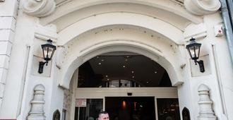 Best Western Hotel D'Arc - Orleans - Edificio