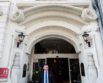 Best Western Hotel D'Arc - Orléans - Byggnad