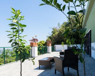 Enis Monte Maccione - Oliena - Balkón