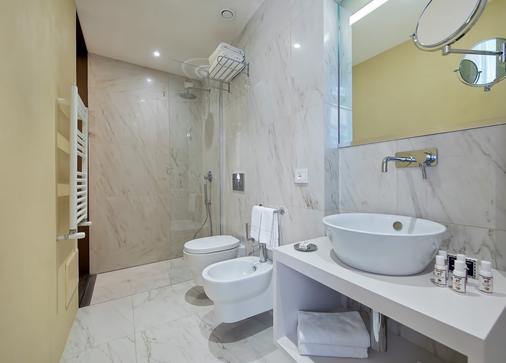 Boutique Centrale Palace - Rome - Bathroom