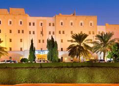 Sur Plaza Hotel - Sur - Building