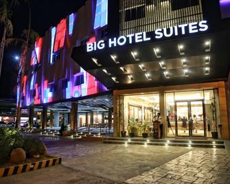 Big Hotel Suites - Mandaue City - Gebouw