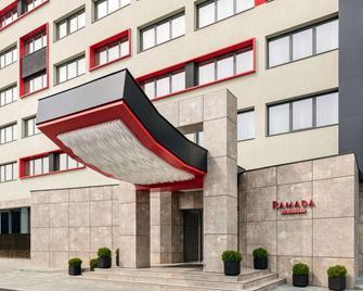 Ramada by Wyndham Ramnicu Valcea - Râmnicu Vâlcea - Building